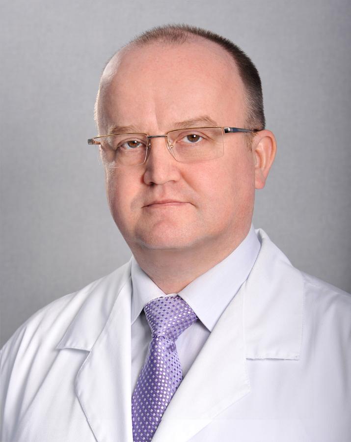 главный врач - офтальмолог  д.м.н. Александров Александр Сергеевич