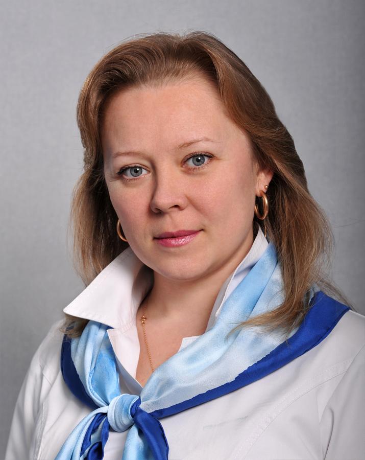 Закончила Московский колледж 11 по специальностям Мастер-оптик и Медицинский оптик-оптометрист. Опыт работы 22 года